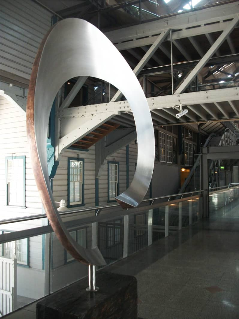 Stainless Steel Sculpture 260x150x60cm MR