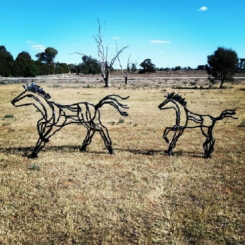 Mare n Foal - hunter valley sculpture