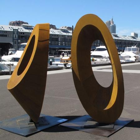 Elipse-240cm-CORTEN-STEEL-[corten,outdoor,landmark]-david-ball-australian-sculpture