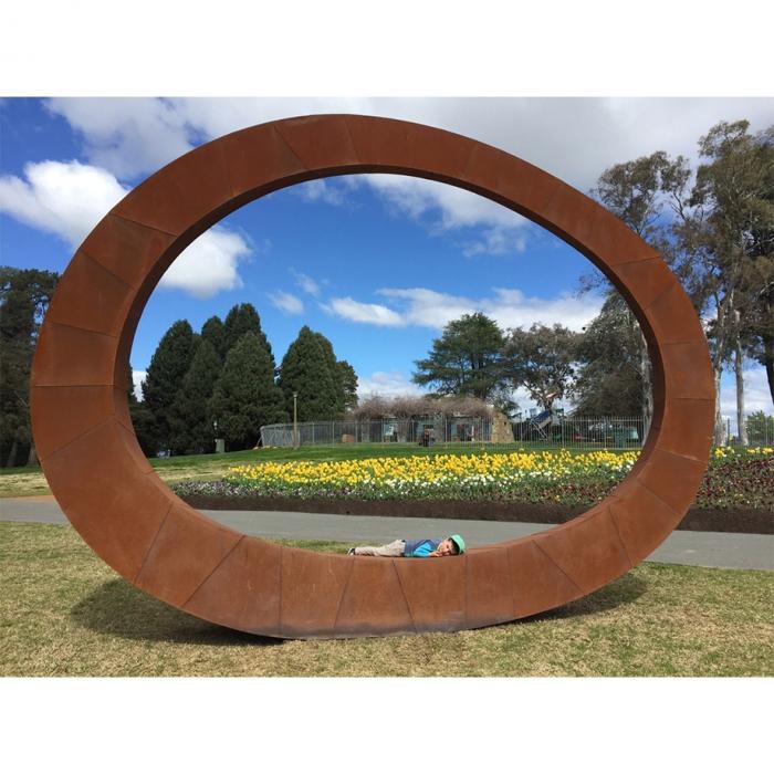 Ring-450cm-CORTEN-STEEL-[corten,outdoor,landmark]-david-ball-australian-sculpture