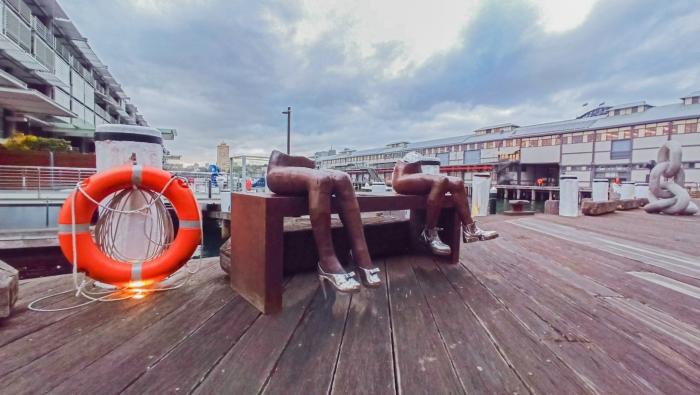 nicole-allen bums on seats_out door people sculpture public art