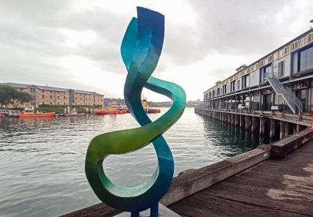 string-theory-sculpture-metal-garden-art-walsh-bay-sydney_2